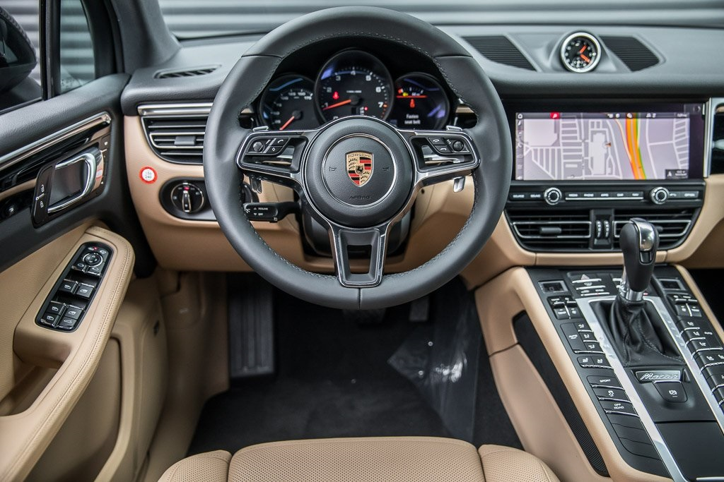 New 2020 Porsche Macan Suv In Hawthorne Llb08340 Porsche South Bay