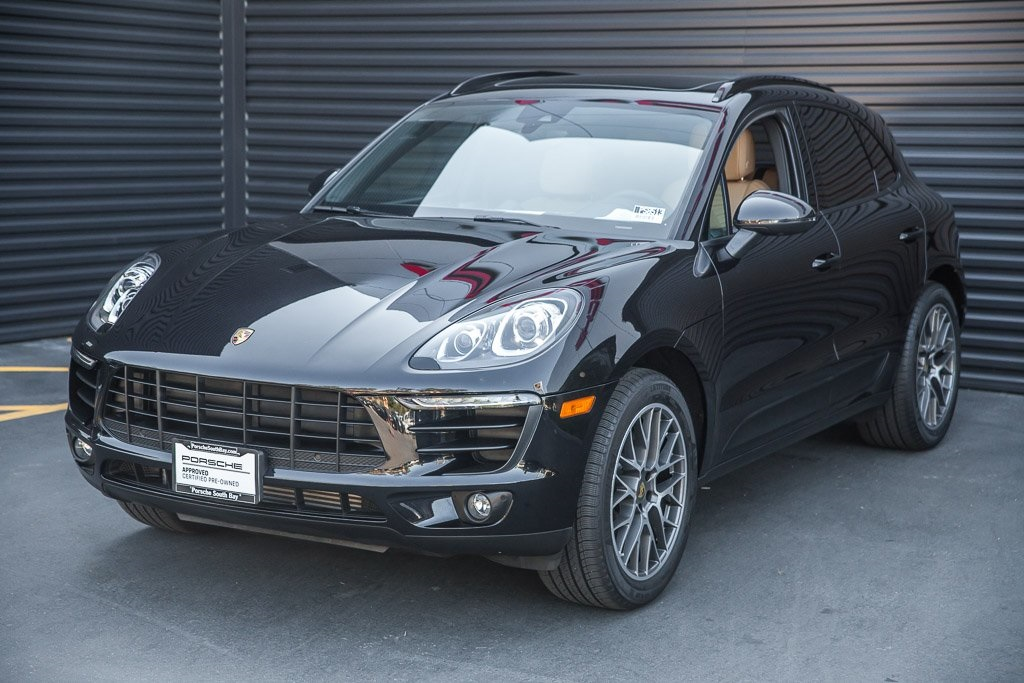Certified Pre-Owned 2018 Porsche Macan Sport Edition
